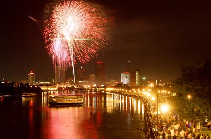 Ira Srole, July 4th fireworks display