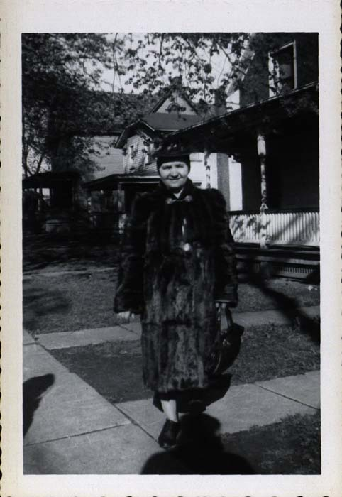 Photograph, woman in fur coat and hat